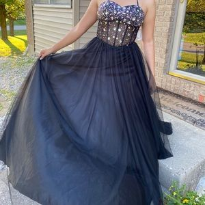 NWT formal strapless gown